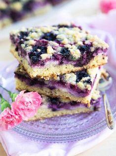Helppo Juustokakku-Marjapiirakka (pellillinen) I Love Food, A Food, Good Food, Food And Drink, Cheesecake, Savory Pastry, Sweet Pie, Healthy Baking, Let Them Eat Cake