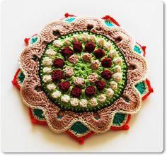 Bizancio Party Crocheted Fascinator.