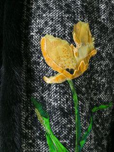 Купить Dolce & Gabbana пальто-накидка в Spinnaker Sanremo from the world's best independent boutiques at farfetch.com. 400 бутиков, 1 адрес. .