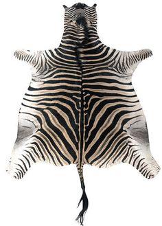 1000 id es sur le th me tapis de peau d 39 animal sur pinterest tapis en peau de vache taille de Tapis peau de bete synthetique