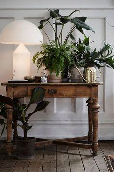 Living Room Lighting, Living Room Decor, Bedroom Lighting, Bedroom Decor, Atollo Lamp, Interior Inspiration, Interior Ideas, Modern Interior, Indoor Plants