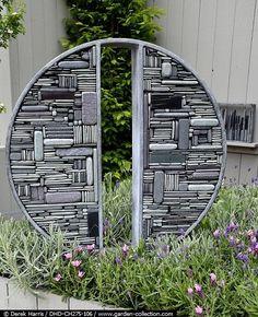 Contemporary garden feature of stones, pebbles & slate  - Derek Harris by Kimmie b