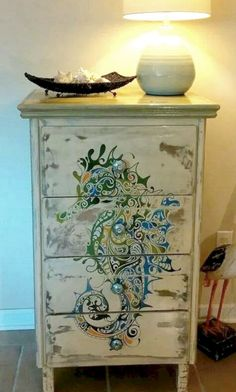 How to paint furniture without brush stokes do you have an old or worn piece. 23 Dresser Makeover Ideas Coastal…Read more of Paintings On Furniture Hand Painted Furniture, Funky Furniture, Refurbished Furniture, Paint Furniture, Repurposed Furniture, Furniture Projects, Furniture Makeover, Bedroom Furniture, Cheap Furniture