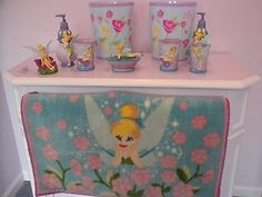 NEW DISNEY TINKERBELL 10 PIECE BATHROOM SET TRASH CANS SOAP DISPENSERS RUG  CUPS