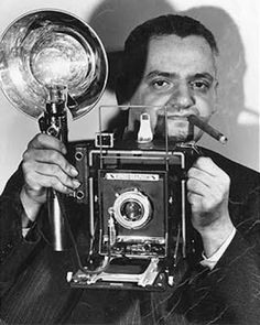 """Weegee 1940 """"smile for me, doll"""""""