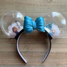 Frozen Inspired Snowglobe Minnie Mouse Ears - New Ideas Disney Diy, Diy Disney Ears, Disney Minnie Mouse Ears, Disney Crafts, Mickey Minnie Mouse, Mickey Ears Diy, Micky Ears, Disney Ears Headband, Disney Headbands