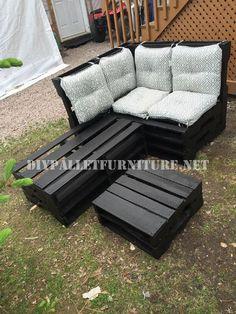Corner sofa using pallets 1