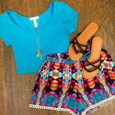 Blue crop top, cute shorts, samdals and jewlery