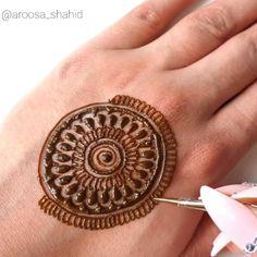 Circle Mehndi Designs, Pretty Henna Designs, Mehndi Designs For Kids, Floral Henna Designs, Mehndi Designs Feet, Latest Bridal Mehndi Designs, Mehndi Designs Book, Mehndi Designs For Beginners, Mehndi Design Photos