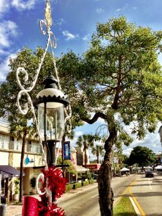 The holidays are in full swing on Las Olas Boulevard. Check out the Top Ten Reasons to Buy Holiday Gifts on Scott Olas Boulevard via Istre Lauderdale Fort Lauderdale Beach, Sidewalk Cafe, Street Smart, Old World Charm, Beautiful Places To Visit, Top Ten, Holiday Gifts, Things To Do, Florida