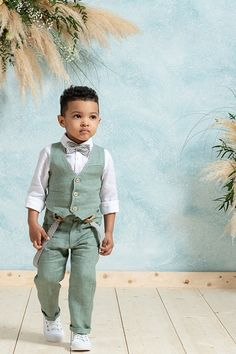 Little Boy Fashion, Kids Fashion Boy, Baby Boy Outfits, Kids Outfits, Baby Boy Suit, Boy Photography Poses, Cute Baby Clothes, Baby Wearing, Baby Dress