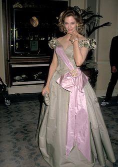 26 of the Wildest Golden Globes Dresses You've Never Seen  - ELLE.com