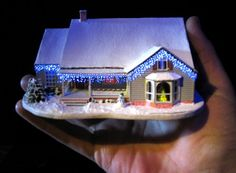 144th scale Christmas house