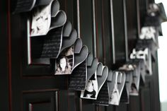 Una guirnalda de corazones en blanco y negro! Muy original! Y con fotos! / A black and white heart banner, very original! And with photos!