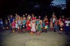 Lampionnen maken, 's avonds lampionnenoptocht op de camping!