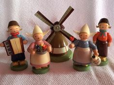 Wendt & Kuhn Windmill and 2 Dutch couples