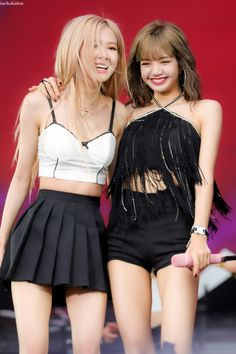 Blackpink chealisa Rosé and lisa summer sonic 2019 190818 Kim Jennie, Girls Generation, Kpop Girl Groups, Kpop Girls, Blackpink Youtube, Lisa Blackpink Wallpaper, Black Pink Kpop, Blackpink Photos, Instyle Magazine
