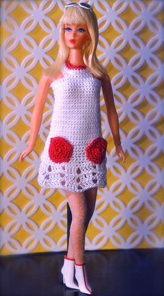 New Dramatic Living Barbie - Blonde