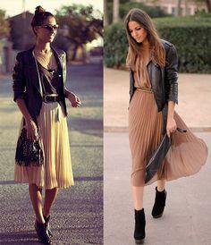 Кожаная куртка и плиссированная юбка