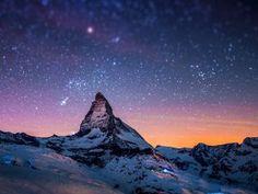 Melkweg over de bergen Bureaublad Achtergrond