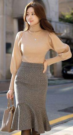 18 Best Ideas For Moda Coreana Faldas Largas K Fashion, Modest Fashion, Korean Fashion, Trendy Fashion, Fashion Dresses, Cheap Fashion, Fashion Women, Winter Fashion, Fashion Trends