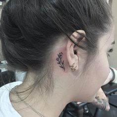Pretty Designs of Behind The Ear Tattoos You Deserve to Have 2020 - Pret. - Pretty Designs of Behind The Ear Tattoos You Deserve to Have 2020 – Pretty Designs of Behi - Dainty Tattoos, Cute Small Tattoos, Mini Tattoos, Symbolic Tattoos, Cute Tattoos, Beautiful Tattoos, Flower Tattoos, Body Art Tattoos, Ear Tattoos