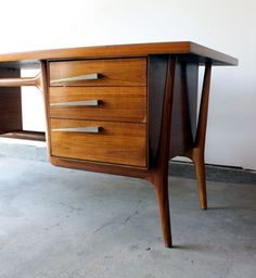 Mid Century Modern Walnut Executive Desk | MANLY VINTAGE THESE PULLS! <3<3