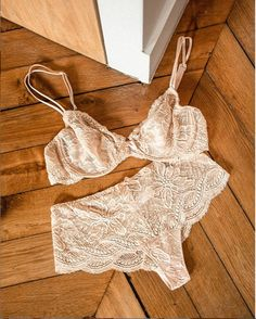 Flowery lace by Simone Perele? from Cheeks!  ??@simonepereleofficiel @simoneperele_america . #simoneperele #everydaylingerie #flowery #bra #sleepwear #delicate #lace #stylediaries #lingerie #lingerieaddict?#tnchustler #realmom #pittsburghfashion #stylishpittsburgh #styleadvice #over40style #squirrelhill #pittsburghpa #intimates #shadyside #solovelysofree #thinkshadyside #412 #pittsburgh?#bekindtoyourself #fashion #lingerieshop #pittsburgh #412 Simone Perele, Fashion Advice, Hosiery, String Bikinis, Lingerie, Boutique, Stylish, Pittsburgh, Lace