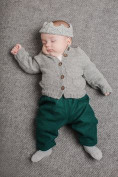 Otto trousers, Ofelia cardigan, hand knitted crown