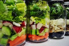 Mason Jar Salads - Everyday Road to Healthy gives it a try!