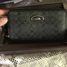 ❤️New in box Coach Wristlet❤️ Brand new in box. Black Coach Wristlet, comes with the box. Originally $78 Coach Other