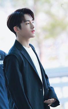 Nct Winwin, Huang Renjun, King Of Hearts, Light Of My Life, Foto Bts, Handsome Boys, Taeyong, Boyfriend Material, Jaehyun