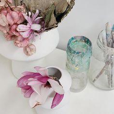 @annieeveringham • Photos et vidéos Instagram Annie, Glass Vase, Photos, Instagram, Home Decor, Pictures, Decoration Home, Room Decor, Home Interior Design