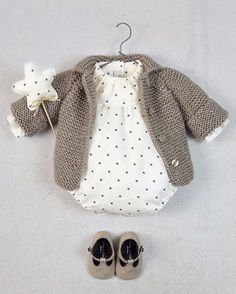 Best Indoor Garden Ideas for 2020 The number of internet users who are looking for… Knitted Baby Outfits, Crochet Baby Jacket, Crochet Baby Clothes, Baby Girl Cardigans, Baby Boy Sweater, Baby Sweaters, Baby Knitting Patterns, Gifts For Newborn Girl, Baby Wearing
