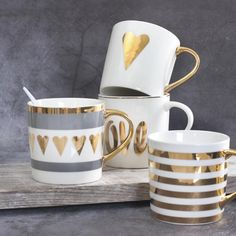Flawless Porcelain Coffee Mugs Gold Painting