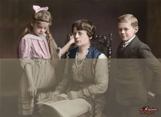 Colourised Sepia family photo from 1920