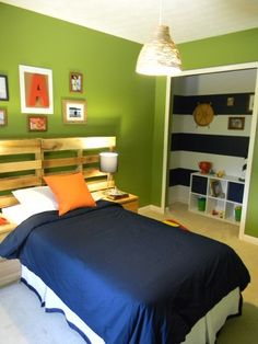 closet colors as inspiration for feature wall - either navy and white or navy and pale blue - maybe with green accents or red