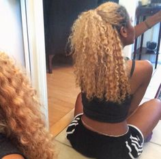 """Find and save images from the """"Curly Hair"""" collection by Serena (AddictedToBlack) on We Heart It, your everyday app to get lost in what you love. Pelo Natural, Natural Hair Tips, Natural Hair Styles, Long Hair Styles, Curled Hairstyles, Weave Hairstyles, Cool Hairstyles, Love Hair, Gorgeous Hair"""