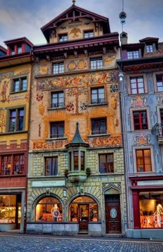 ❥ Lucerne, Switzerland   Awesome painting, totally beautiful architecture(0:  So beautiful(0: