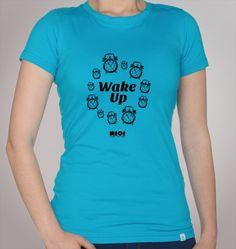 Modelo - Wake Up  Também disponível em branco, verde e preto.
