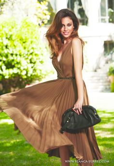 Blanca Suárez Beautiful Celebrities, Most Beautiful Women, Beautiful Dresses, Nice Dresses, Clara Alonso, Photography Women, Beauty Photography, Girl Inspiration, Sporty Outfits