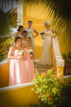 #weddingphotoideas #pinkromanticbeachwedding #pinkbridesmaiddress #bridesmaidphoto #weddingphotos