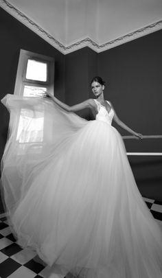 White Cinderella, wedding dress gown.  THIS IS WHAT I WWAAANNNTTTTTTTT!!!!!!!!!!!!!!