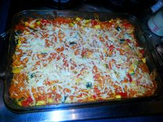 Easy Cheesy Spaghetti Squash Bake, add in lean beef. Skinny Recipes, Vegan Recipes, Cooking Recipes, Dinner Ides, Cheesy Spaghetti Squash, Squash Bake, How To Eat Paleo, Summer Salads, Family Meals