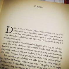 Denne boken er beregnet på ... Få med deg det avsnittet.  Fanget oppmerksomheten min @aschehoug  #shakespeare #litteraturstudie #litteratur #oppgaveskriving #literature #verdenslitteratur #literaturelove @bokstudentliv @fagskolen_for_bokbransjen