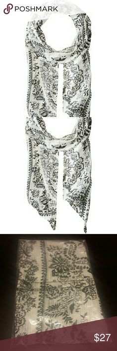Scarf Enjoy warm summer days in the undeniably stylish Porcelain Skinny Scarf. Lightweight, oblong scarf features floral print. Asymmetrical hemmed edges.  * 55% cotton, 45% viscose * Dry clean only * Measurements: Width - 5.5 in, Length - 66 in Michael Stars Accessories Scarves & Wraps