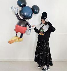 Korea Street Style, Minnie Mouse, Disney Characters, Fictional Characters, Fantasy Characters