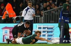 Patrick Lambie Springbok try. Rugby Championship vs New Zealand Rugby Championship, Rugby Sport, World Rugby, Rugby Players, Club, Baseball Cards, Guys, Board, Sports