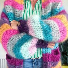 Crochet your own MYPZ mohair cardigan with th crochet pattern from MYPZ. This crochet pattern is based on a half long cardigan. Mohair Cardigan, Mohair Yarn, Long Cardigan, Striped Cardigan, Sweater, Hand Knitting, Knitting Patterns, Crochet Patterns, Tunisian Crochet