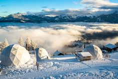 Geodesic Dome Hotel Offers Luxury and Adventure in the Idyllic Swiss Alps - My Modern Met Switzerland Travel Guide, Switzerland Hotels, Oslo, Unusual Hotels, Fun Outdoor Activities, Photos Hd, Geodesic Dome, Paragliding, Swiss Alps